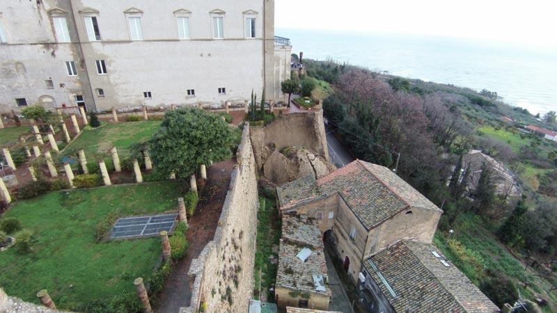 Palazzo_D_Avalos